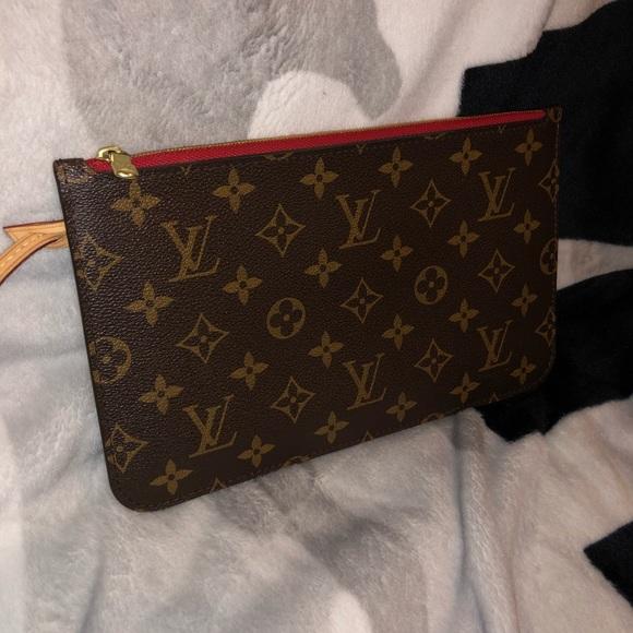 bee1aba76 Louis Vuitton Handbags - Louis Vuitton Neverfull MM GM Pochette Wristlet